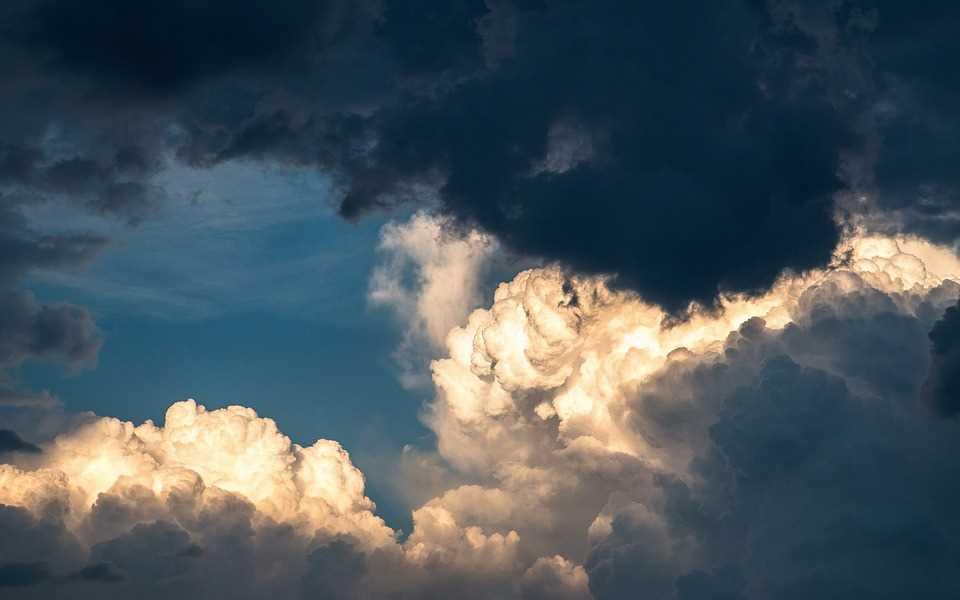 clouds-1768967_960_720.jpg