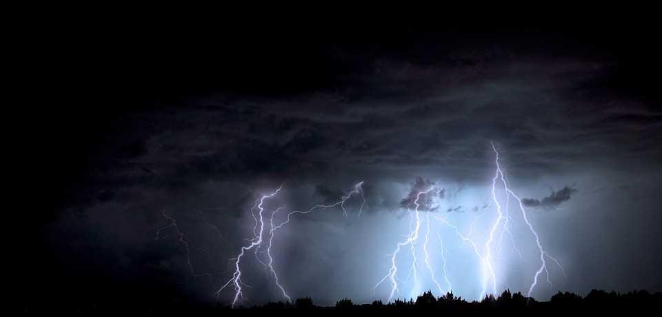 lightning-1158027_960_720.jpg