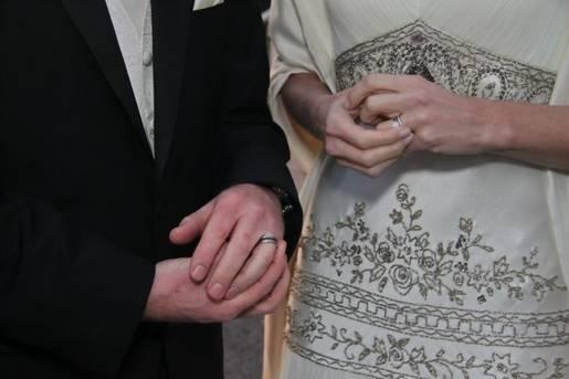 marriage-559430_1920.jpg