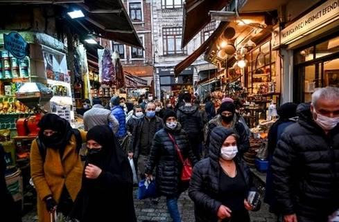 -Τουρκία-πολίτες-κόσμος-μάσκες-αγορά-741x486-1.jpg